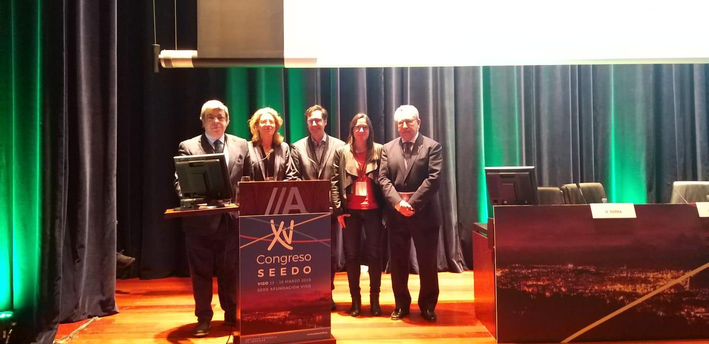 La professora Noemí Serra participa en el congrés SEEDO a Vigo